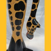 http://sawa-art.de/shop/images/HP-48-podest-giraffe-II-detail-2.jpg